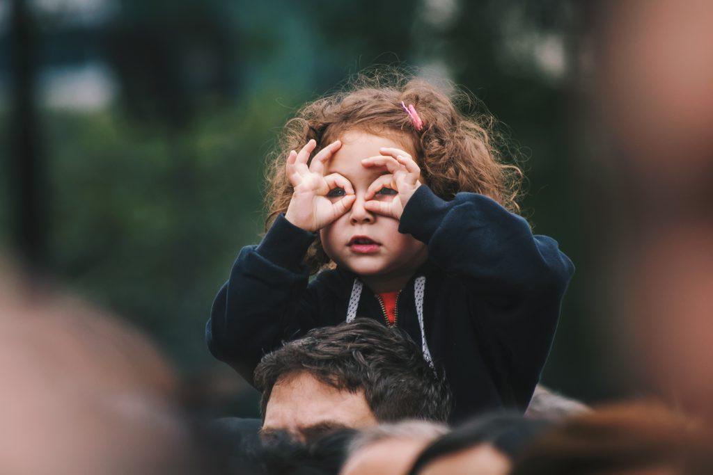La infancia y la adolescencia son fases de aprendizaje importantes contra el cambio climático
