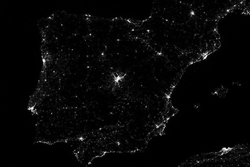 Vista de la contaminación lumínica de España