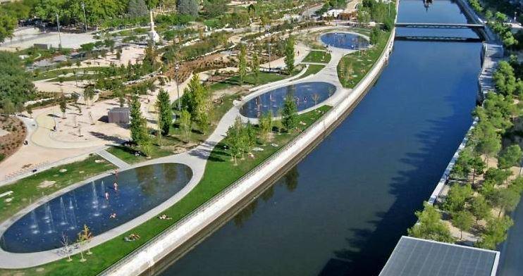 Vegetación y agua: Madrid Río como ejemplo de reverdecer la ciudad